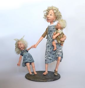 Mother with little daughters - Sigita Dolls