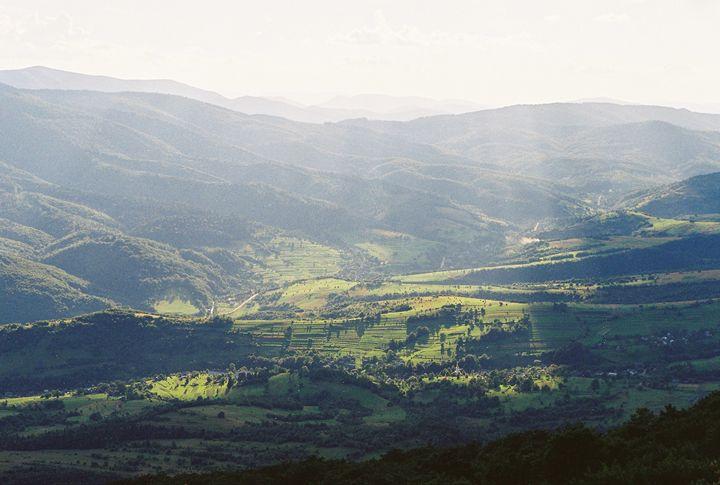 Valley - Anton Popov