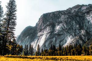 Mountains view at Yosemite