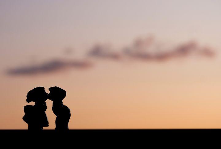 Sunset kiss - couplecreative