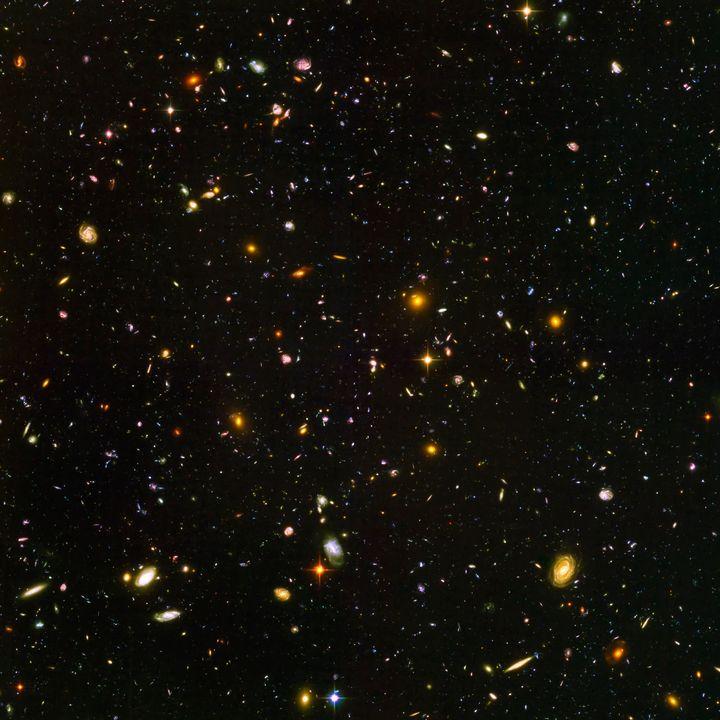 Hubble Ultra Deep Field Stars - Yvonne