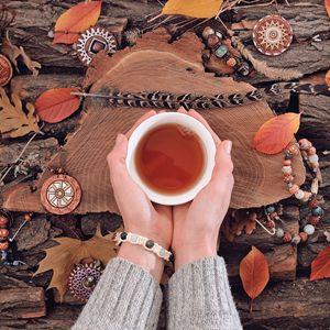 Autumnal tea drinking