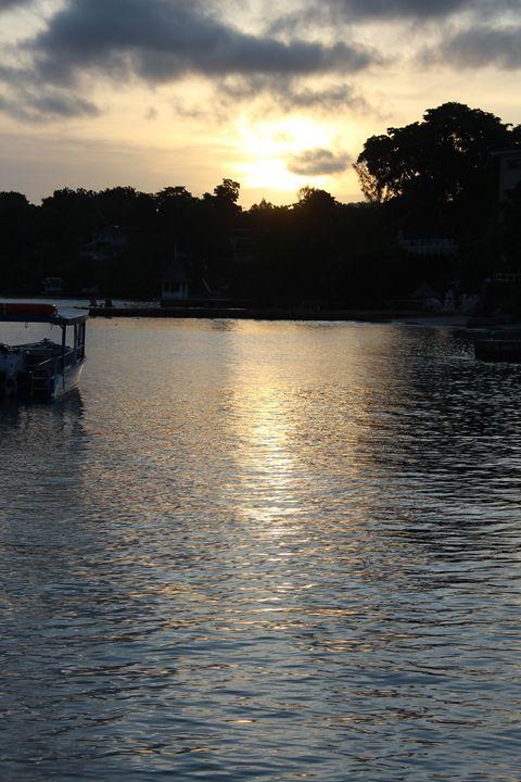 Water Sunrise - Aaryn Buckholtz