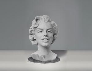 Marilyn Monroe Sculpture