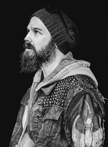 Ryan Hurst (Harry 'Opie' Winston)