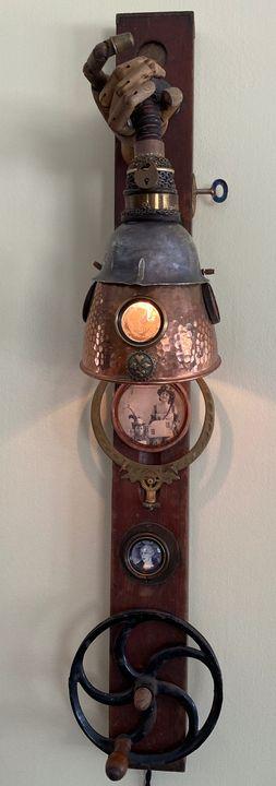 Sleight of Hand Lamp - Eric Hansen (Sleight of Hansen)