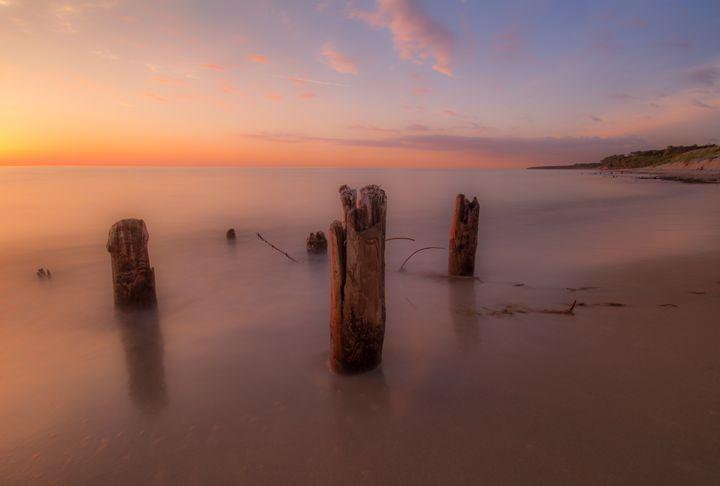 Sunbathed shoreline - Dkm-Media