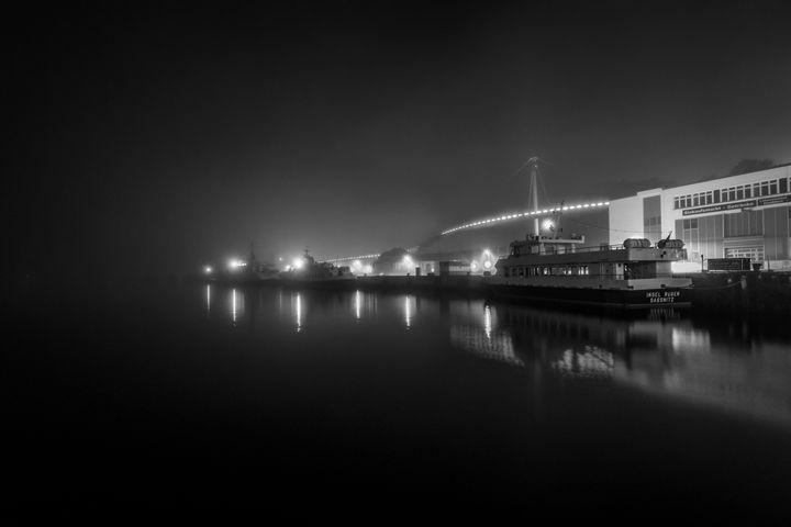 Misty harbor - Dkm-Media