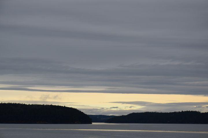 Big Sky Lake - Ngtimages