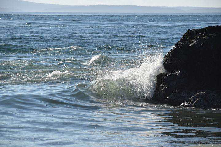 Crushing waves #2 - Ngtimages