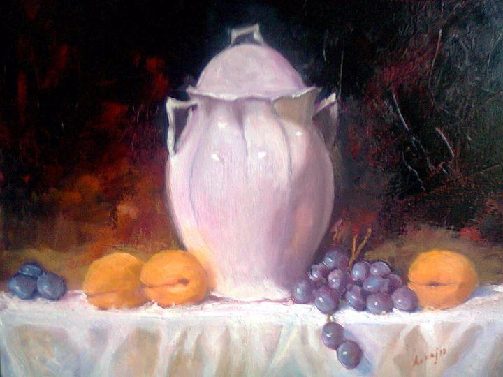 White vase with fruits - atelje lerok
