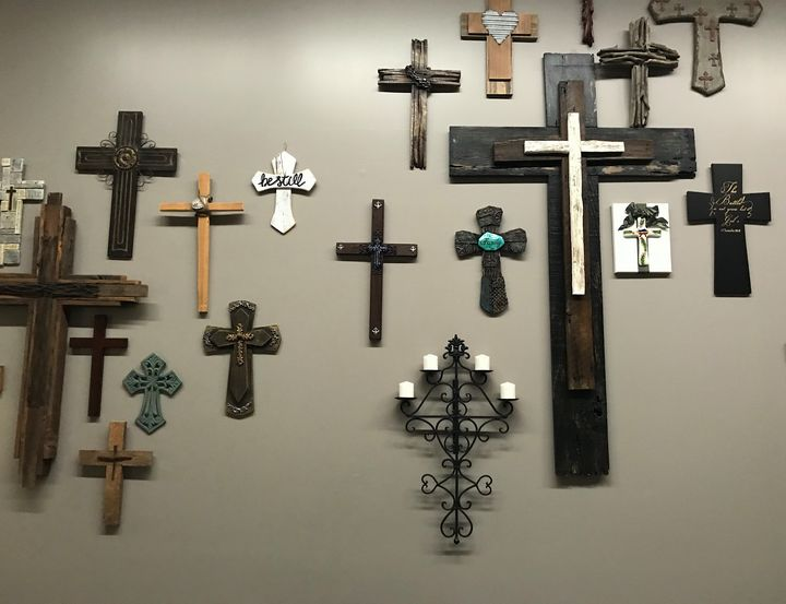 Crosses on the Wall - toksdesign