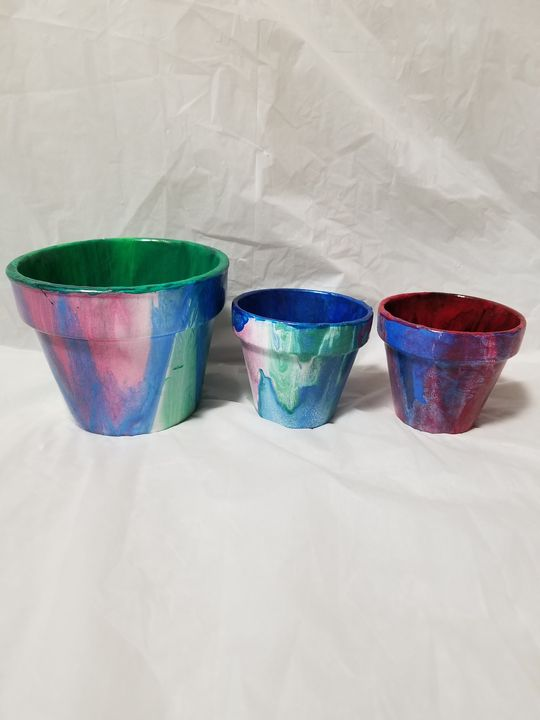 3 terracotta pots acrylic pour - Toad's Artistry