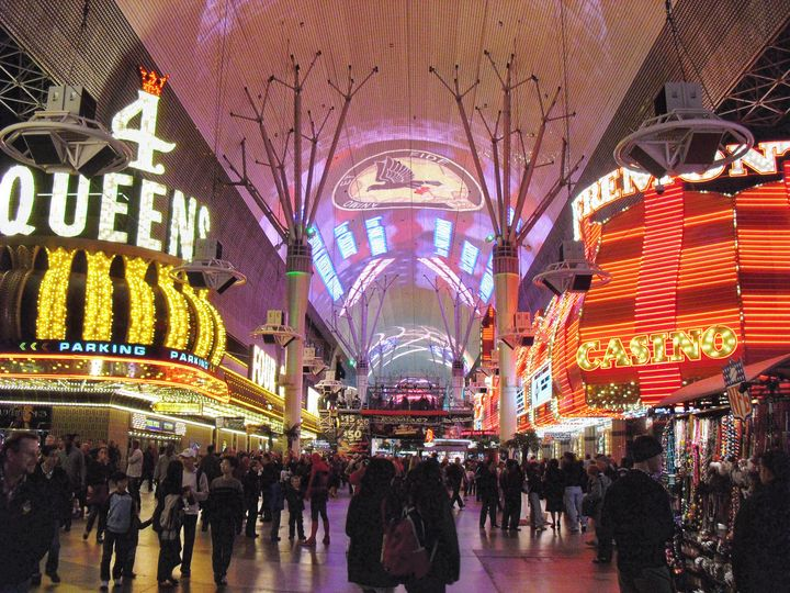 Un Nuit a Vegas - Adirondack Art & Soul