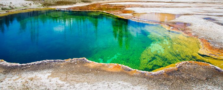 Geyser Pools of Yellowstone - 727 Jazz & Co