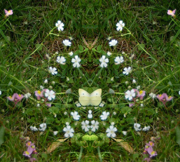 Butterfly in Floral Arrangement - Beaulieu Creations
