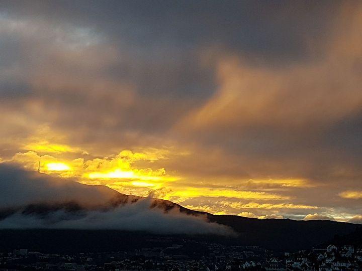 The golden mist - Saaz Arty