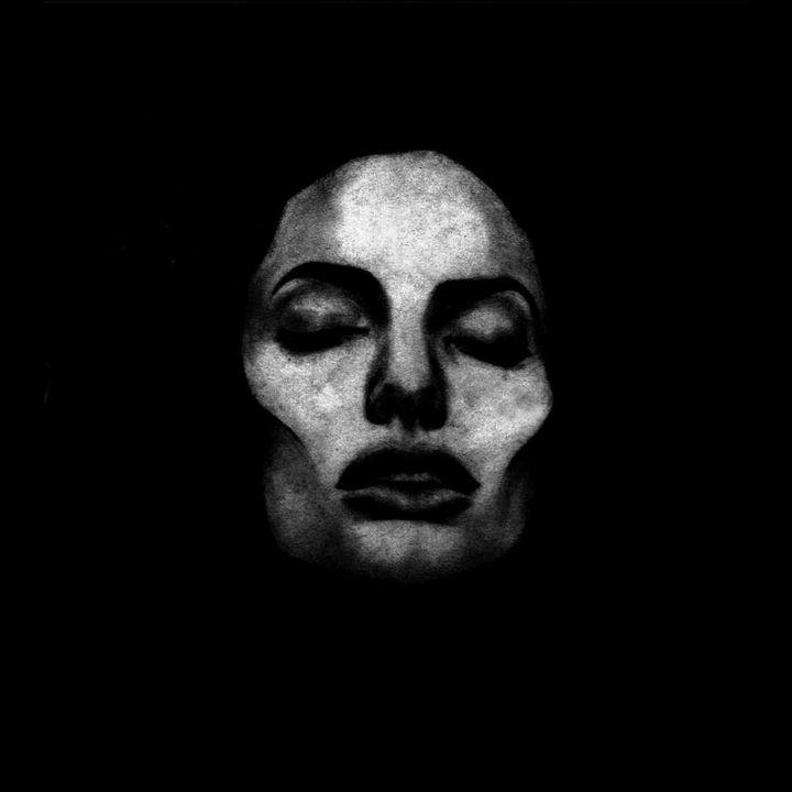 Jolie - Ars Longa, Vita Brevis