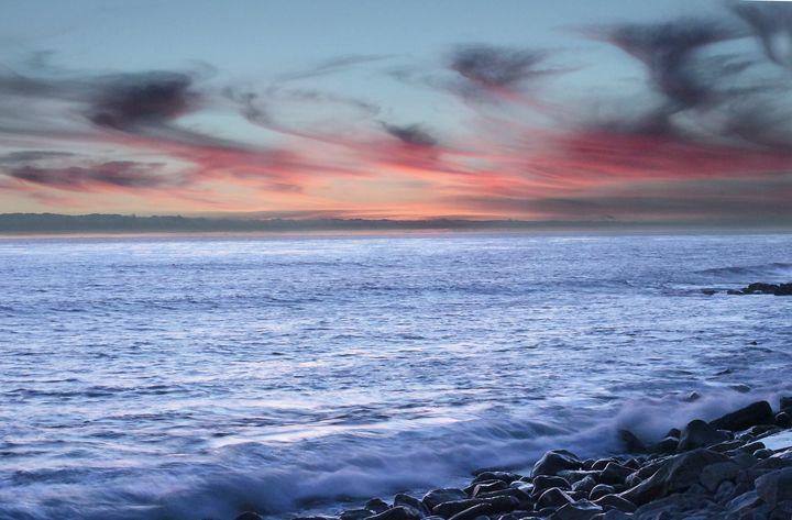 Moonlight Sunset - Daniel Holmes