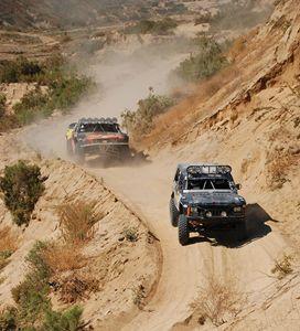4x4 Off Road Truck Race
