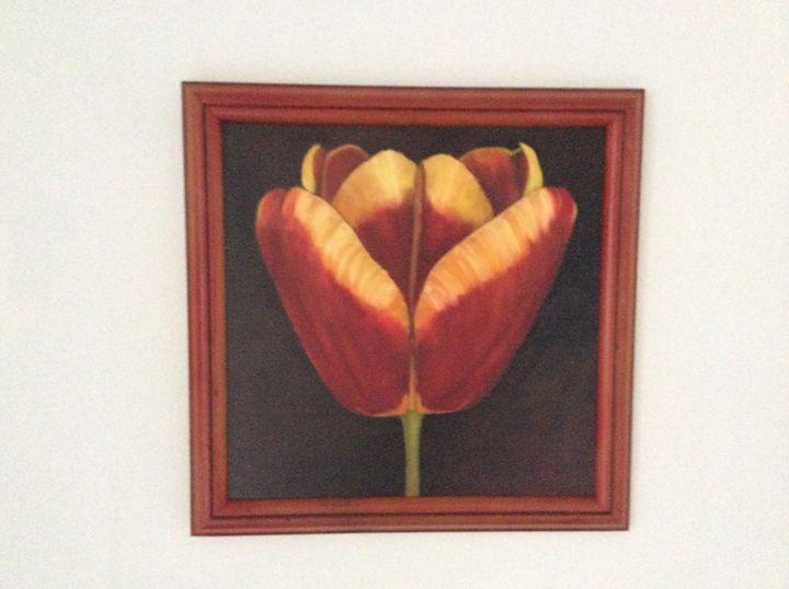 Tulip - Jayne Roggeband oil paintings