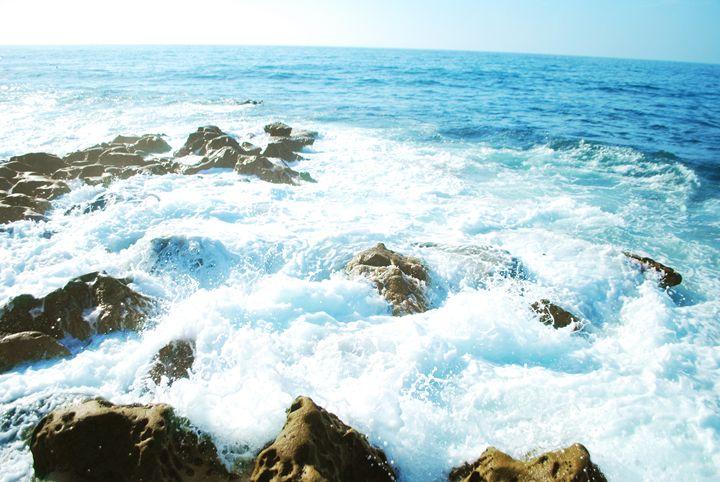 Smaller Cliffs - Alyssa Evans