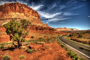 Road in to Capital Reef