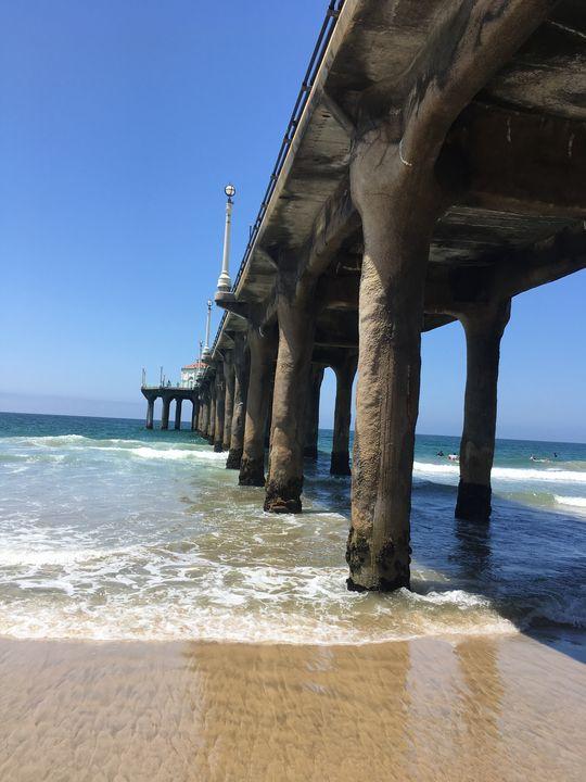 Manhattan Beach Pier - Abstract Accents