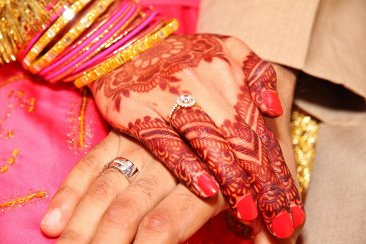 Indian wedding ceremony hand detail - Alvin Wong Photography Gallery
