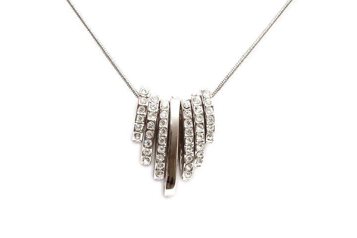 Sparkling diamond necklace - Alvin Wong Photography Corner