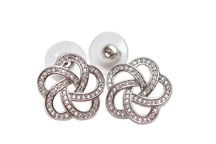 Diamond ear rings - Alvin Wong Photography Gallery