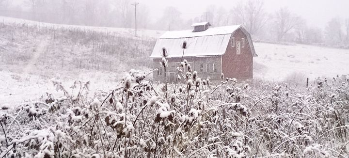 Barn in snow - J.T. Arts