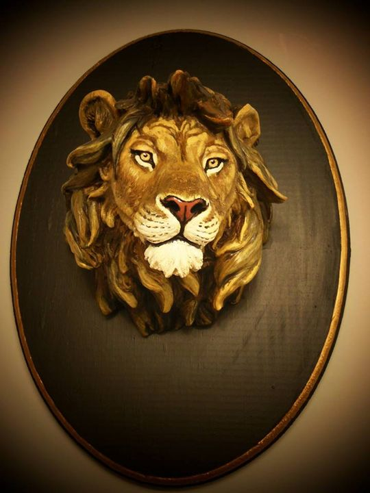 Lion Head sculpture on wood base - Alvar's gallery