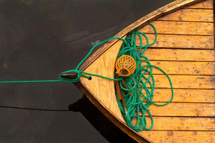 Fisherman boat with ropes and float. - Tartalja