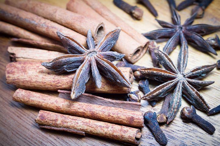 Spicery. Star anis and cinnamon. - Tartalja