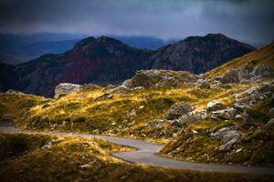 Mountain road in autumn.