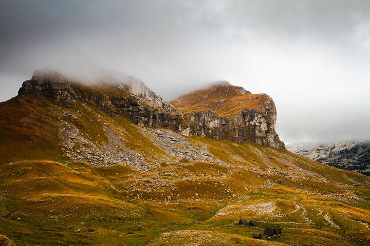 Mountains in autumn. - Tartalja