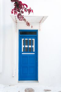 Narrow streets and blue windows with