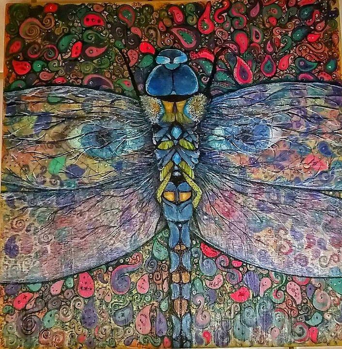 Dragonfly eyes - Marie Hammond Art