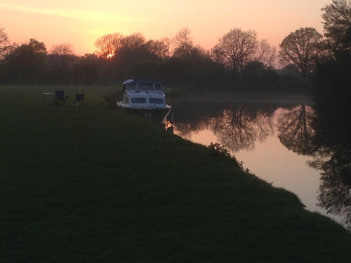 boat in the medway at sunset - Andrew Bowes