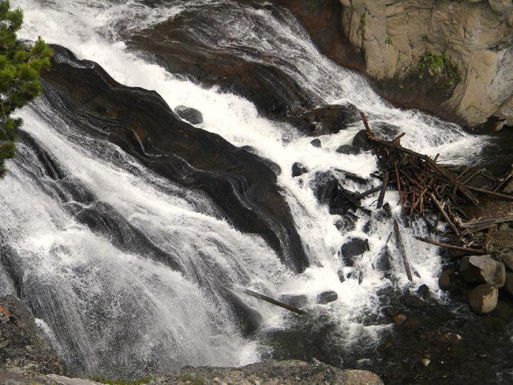 Rushing Water - Lauri