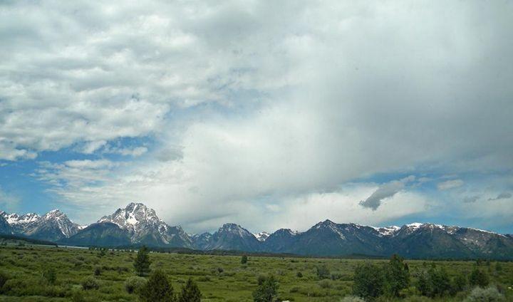 Mountain Range - Lauri