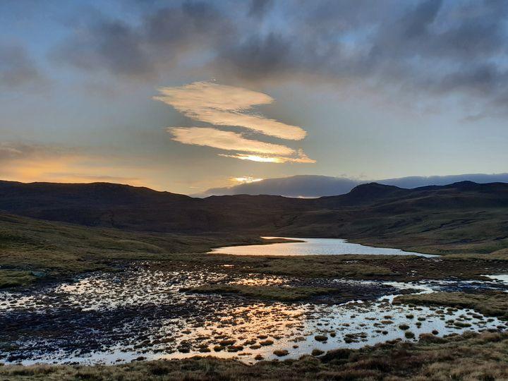 Reflecting loch - MalinRobertsArt