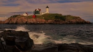 Nubble Light - Sunset - Cantor Photography