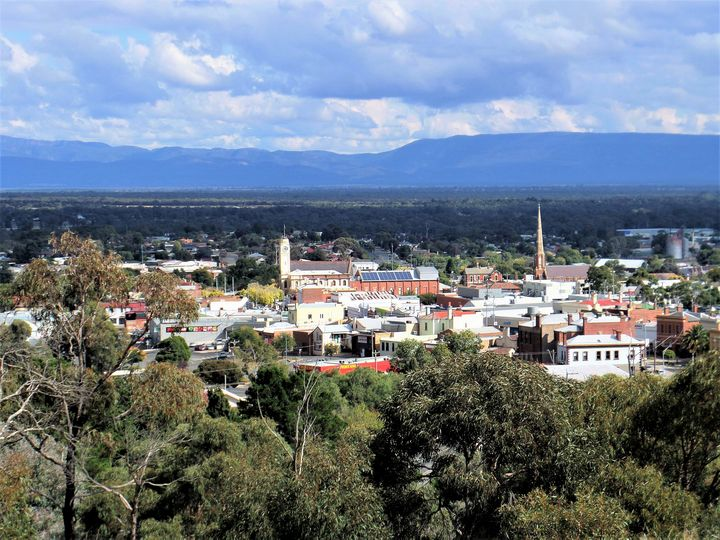 Stawell from Lookout - Yolanda Caporn Art