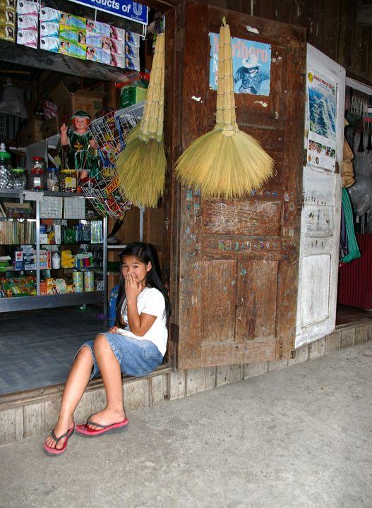 Filipina Teen at the Store - mijodo asian gallery