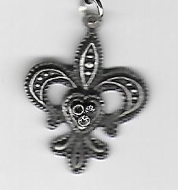 Fleur Des Leis Pendant Necklace - Chick Artistic Creations