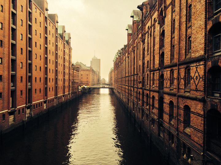 Parallel Hamburg Habour - Kazaf Kunst