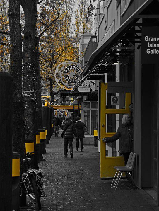 Yellow Door - Michael Klerck