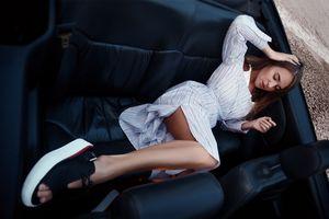 Girl in cabrio